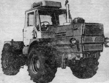 Колесный трактор Т-150К